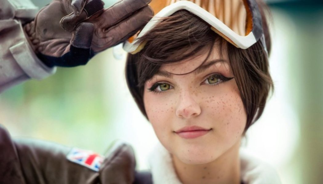 Overwatch Cosplays Just Keeps Getting Hotter (NSFW)